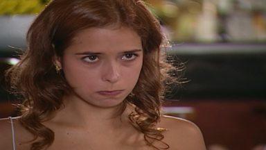 Capítulo de 15/03/2003 - Luciana e Diogo se alfinetam. Leopoldo pergunta a Dóris se ela não tem nada para lhe contar. César dá um anel para Laura. Rodrigo fica furioso quando Marcinha fala do anel.