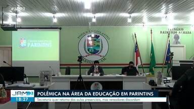 Área da educação gera polêmica em Parintins - Secretaria quer retorno das aulas presenciais, mas vereadores discordam