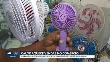 Aumenta a demanda por produtos para aliviar o calor - Comerciantes comemoram venda de ventiladores, ar-condicionado, sucos... Levantamento da FGV mostra que os preços também subiram junto com as vendas.