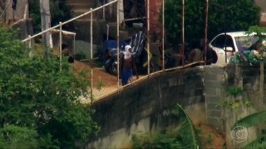 Intenso tiroteio assusta moradores da região central do Rio; uma pessoa morreu baleada - Polícia Militar diz que fazia patrulhamento quando foi atacada.Segundo a PM, as primeiras informações eram de que o homem baleado participava do confronto, mas isso ainda não foi confirmado.