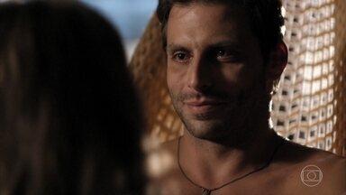 Ester e Cassiano se entregam ao amor na cabana - Cassiano se emociona ao ouvir que Ester vai pedir o divórcio. Dionísio insinua que Ester esteja traindo Alberto. Ester promete preparar os filhos para pedir o divórcio