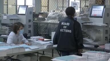 Departamento de Justiça dos EUA muda regra sobre investigação de fraude eleitoral - A partir de agora passa a ser permitido investigações sobre suspeitas de fraude eleitoral antes que os votos sejam computados. Essa decisão acontece a 26 dias da eleição presidencial americana.
