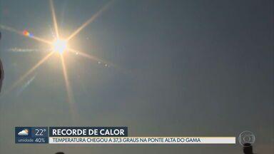 Caesb registra maior consumo de água do ano em semana com recorde de calor - Temperatura chegou a 37,3ºC na Ponte Alta do Gama e onda de calor movimenta comércio.