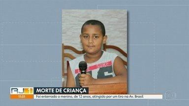 Menino de 12 anos atingido por bala perdida na Av. Brasil foi enterrado - Leônidas foi atingido por uma bala perdida e não resistiu.