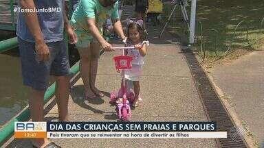 Baianos celebram o Dia das Crianças em Salvador, apesar de mudanças impostas pela pandemia - Sem acesso às opções de lazer tradicionais, como praias e zoológicos, os pais precisam se reinventar para se divertirem com os filhos.