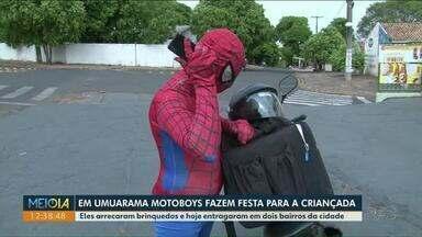 Motoboys vestido de super-heróis entregam presentes para crianças em Umuarama - A ação foi realizada por voluntários da cidade.