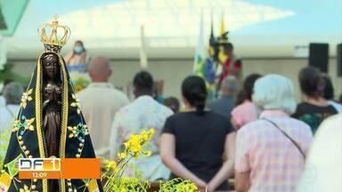 Dia de Nossa Senhora Aparecida sem procissão na Esplanada dos Ministérios - A celebração foi com três missas na Catedral.