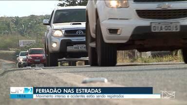 Por conta do feriado, movimento de veículos é intenso em rodovias do Maranhão - Graves acidentes foram registrados durante o feriadão.