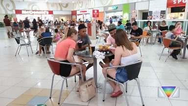 Shopping fica movimentado em Jacareí durante o feriado - Dia das Crianças impulsionou movimento no primeiro feriado com shoppings abertos na cidade após a quarentena.