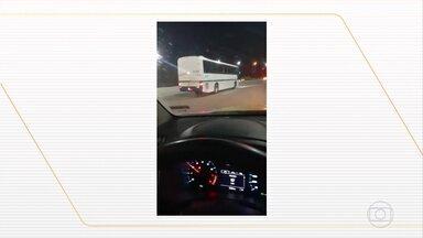 Motorista de ônibus clandestino desrespeita ordem de parada e foge, em MG - A perseguição do ônibus clandestino começou em Contagem, na região metropolitana de BH, e só terminou na cidade de Sete Lagoas, região central de Minas. De acordo com a Agência Nacional de Transportes Terrestres (ANTT), o motorista do veículo desrespeitou a ordem de parada dos agentes e, durante a fuga, ignorou todos os radares.