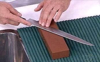 Sakamoto ensina a amolar faca - Chefs aprendem os segredos das técnicas japonesas.
