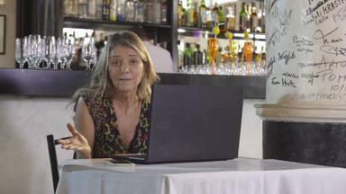"""O Grande Porre - A festa de aniversário de Duda no famoso restaurante """"La Fiorentina"""" gera paixões inesperadas, situações constrangedoras e vexames típicos de um bom porre."""
