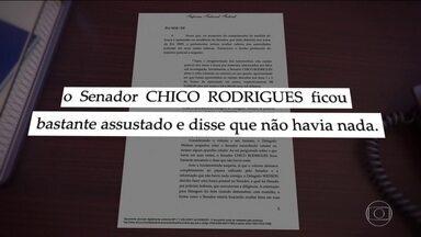 Ministro Luís Roberto Barroso afasta o senador Chico Rodrigues (DEM) do cargo por 90 dias - O futuro do ex-vice líder do governo, o senador Chico Rodrigues, do DEM, flagrado com dinheiro dentro da cueca está nas mãos do Senado. O ministro Luís Roberto Barroso afastou o senador do cargo por 90 dias.