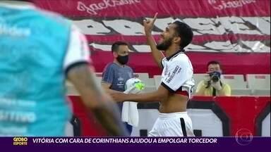 Vitória com cara de Corinthians ajudou a empolgar torcedor - Vitória com cara de Corinthians ajudou a empolgar torcedor