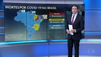 Brasil passa de 153 mil mortos por Covid - Em 24 horas, foram registradas 716 mortes por causa da doença, segundo os dados coletados pelo consórcio de veículos de imprensa. A média móvel de óbitos voltou a ficar acima de 500.