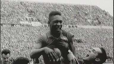 Pelé 80: os primeiros anos do rei com a bola nos pés - Pelé 80: os primeiros anos do rei com a bola nos pés