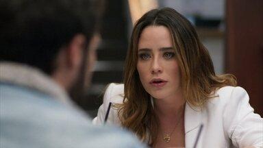 Bruna se enfurece com Giovanni - Ela conta para o namorado que Camila perdeu a memória