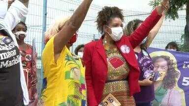 Renata Souza (PSOL) faz campanha no Catete - Renata Souza (PSOL) faz campanha no Catete.