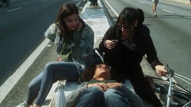 Contatos Imediatos - Ellen fica mexida com Lito. Lica decide dar uma pausa na vida amorosa. Tina leva a irmã à médica. Keyla tem um encontro.