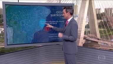 Ciclone subtropical continua levando chuva e ventania pro Sudeste e sul da Bahia - A região Sul do país também tem risco de temporais hoje (26)