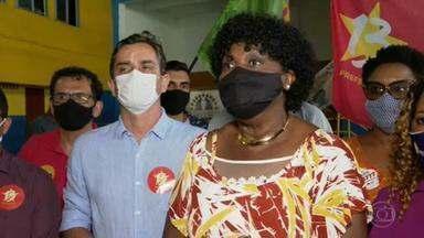 Benedita da Silva (PT) faz campanha no Morro do Borel - A candidata do PT conversou com moradores e comerciantes.