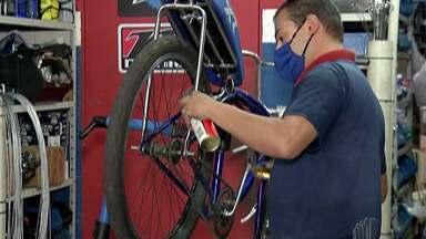 Aumento pela procura de bicicletas surpreende comerciantes - O aumento da procura mais do que dobrou e essa alta foi uma surpresa para os donos de lojas especializadas.
