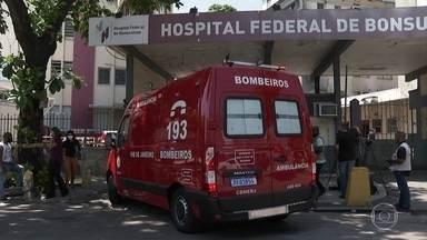Morre a quarta vítima do incêndio no Hospital Federal de Bonsucesso, no Rio - A vítima é uma mulher de 73 anos que tinha sido transferida para outro hospital. Os bombeiros continuam no local para garantir que o fogo seja totalmente extinto.