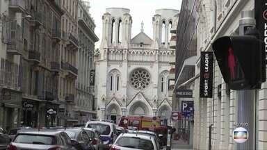 Ataque a faca deixa mortos e feridos na Basílica de Nice, na França - Prefeito da cidade diz que um suspeito foi detido e classificou o ataque como terrorismo. Procuradoria antiterrorismo do país abriu investigação.