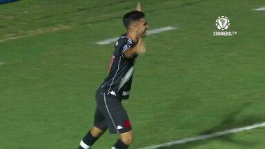 Depois de nove jogos, Vasco volta a vencer graças a Tiago Reis - Depois de nove jogos, Vasco volta a vencer graças a Tiago Reis