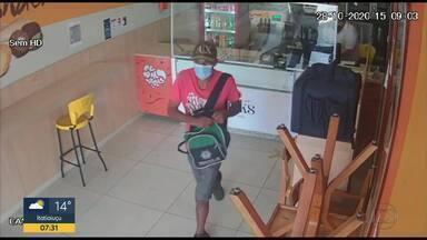 Lanchonete é assaltada duas vezes em uma semana em Belo Horizonte - Ações foram registradas por câmeras de segurança.