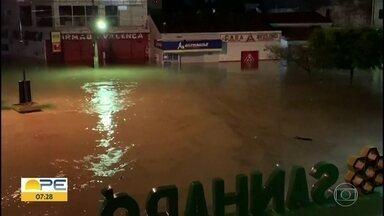 Prefeitura de Sanharó decreta emergência devido à chuva - Segundo prefeitura, em seis horas, foram 288 milímetros.