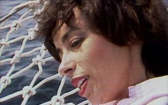 Nara Leão canta 'Além do horizonte' - A musa da bossa nova interpreta uma das mais conhecidas canções de Roberto Carlos. Ela dá um novo tom para a música, que já era sucesso nas rádios.