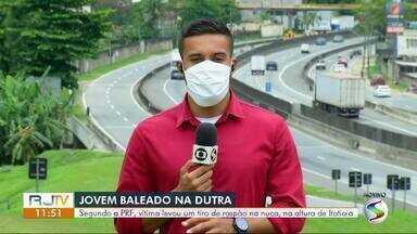 Jovem é baleado na Via Dutra, em Itatiaia - Segundo a PRF, vítima levou um tiro de raspão na nuca em tentativa de homicídio na altura do bairro Nova Conquista.