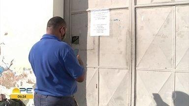 Moradores de Petrolina reclamam do serviço de entrega dos Correios - Muitos reclamam do atraso das encomendas e da falta de informação na central de distribuição.