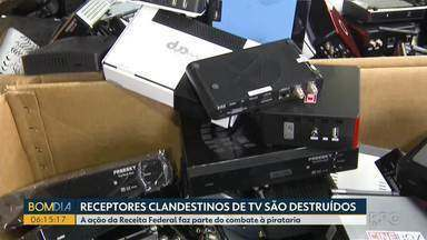 Receptores clandestinos de TV são destruídos - A ação da Receita Federal faz parte do combate à pirataria.