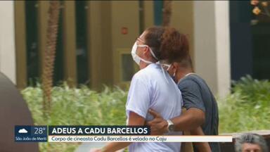 Corpo do cineasta Cadu Barcellos será enterrado nesta quinta-feira (12) - O velório acontece neste momento. A polícia investiga o caso.