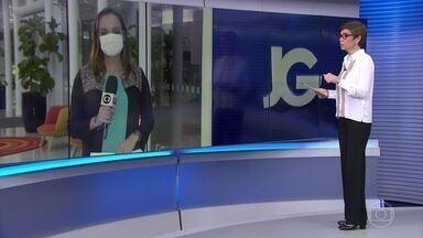 Média móvel de casos da Covid-19 volta a subir em São Paulo - O aumento se deve à atualização de dados atrasados. Médicos de hospitais particulares da capital paulista afirmam que notaram um aumento de internações por Covid-19 nas últimas semanas, muitas delas por conta do relaxamento das medidas de prevenção.