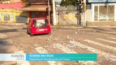 Carro é flagrado lançando santinhos nas ruas de São Bernardo do Campo - Carro é flagrado lançando santinhos nas ruas de São Bernardo do Campo