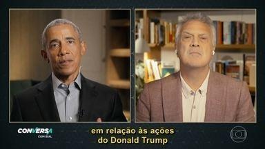 """Barack Obama comenta 'pólvora e saliva' de Bolsonaro - Barack Obama foi por oito anos o homem mais poderoso do mundo. Quatro anos após deixar o cargo, o ex-presidente dos Estados Unidos lança """"Uma Terra Prometida"""", o primeiro volume de suas memórias."""
