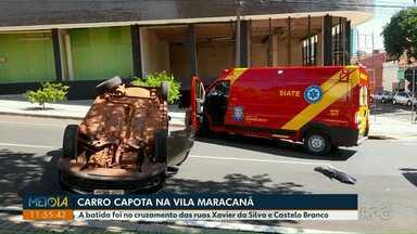 Carro capota após se envolver em acidente na Vila Maracanã - A batida foi no cruzamento das ruas Xavier da Silva e Castelo Branco.