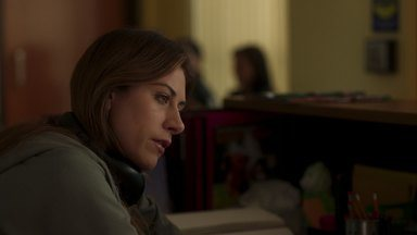 A Grande Chance - Murphy recruta um involuntário Felix para ajudá-la a encontrar a namorada de Tyson. Enquanto isso, Dean tenta dar suporte a Chloe.