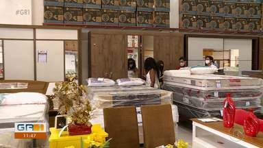 Auxílio emergencial aumentou o poder de compra de famílias brasileiras, diz pesquisa - O setor de varejo passou por um ano bem atípico com a pandemia do novo coronavírus. A expectativa é boa para o comércio.