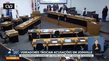 Vereadores trocam acusações durante sessão em Joinville - Vereadores trocam acusações durante sessão em Joinville
