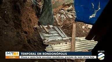 Casa desmorona durante temporal em Rondonópolis - Casa desmorona durante temporal em Rondonópolis