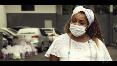 RJ tem apenas uma mãe de santo autorizada a entrar em presídios - Entretanto, as medidas de isolamento da pandemia mantêm Mãe Flávia longe das cadeias.
