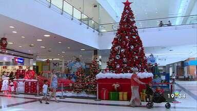 Pedidos para o Papai Noel em Taubaté terão que ser pelo interfone - Confira reportagem.