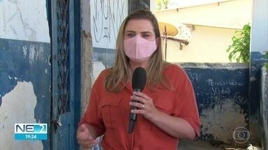 Marília Arraes fala sobre projetos nas áreas de cultura e lazer - Candidata do PT esteve no Bairro de Dois Unidos, na Zona Norte do Recife.