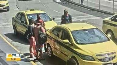 """Polícia prende quadrilha que dava golpe em turistas no Aeroporto Internacional Tom Jobim - Eles atraíam as vítimas para corridas em táxis piratas, mas na hora de pagar a viagem vinha a """"surpresa""""."""