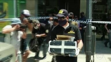 Polícia investiga se houve negligência médica na morte do ex-jogador Diego Maradona - Policiais apreenderam documentos, computadores e celulares na clínica e na casa do médico do craque argentino