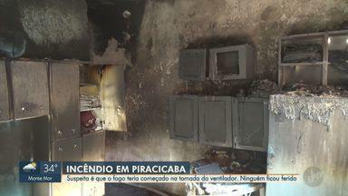 Incêndio atinge casa no bairro Monte Cristo, em Piracicaba - Suspeita é de que o fogo tenha começado na tomada do ventilador; imóvel foi interditado.
